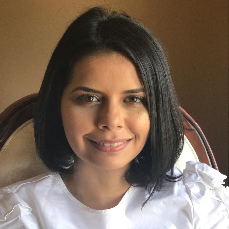 Pauline Khamou, Owner